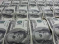 Zentralbank entscheidet Dollarscheinen zu drucken, um hohe Inflation darzustellen